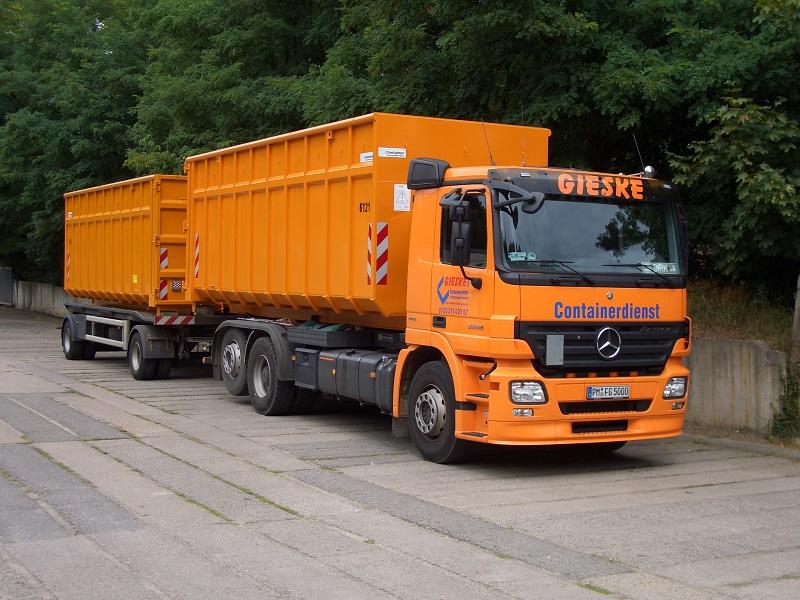 Abrollcontainer-Fahrzeug (2)
