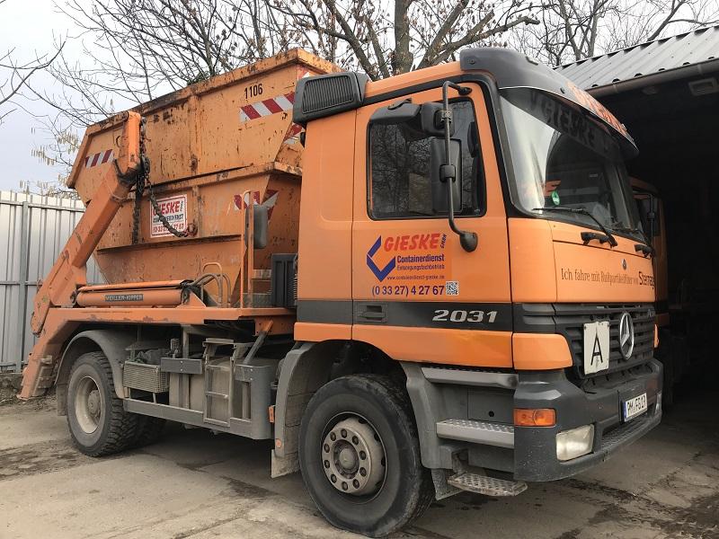 Absetzcontainer-Fahrzeug